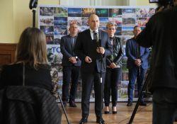 COVID-19 wymusza zmiany – konferencja prasowa